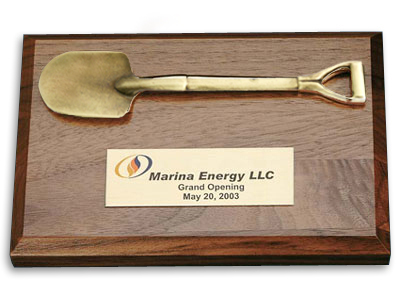4 x 6 inch Walnut Finish Plaque with Shovel